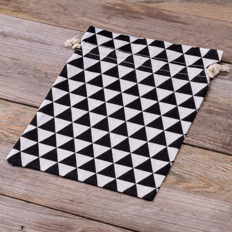 008c214b523 1 pc Linen bag with printing 30 x 40 cm - natural / black triangles