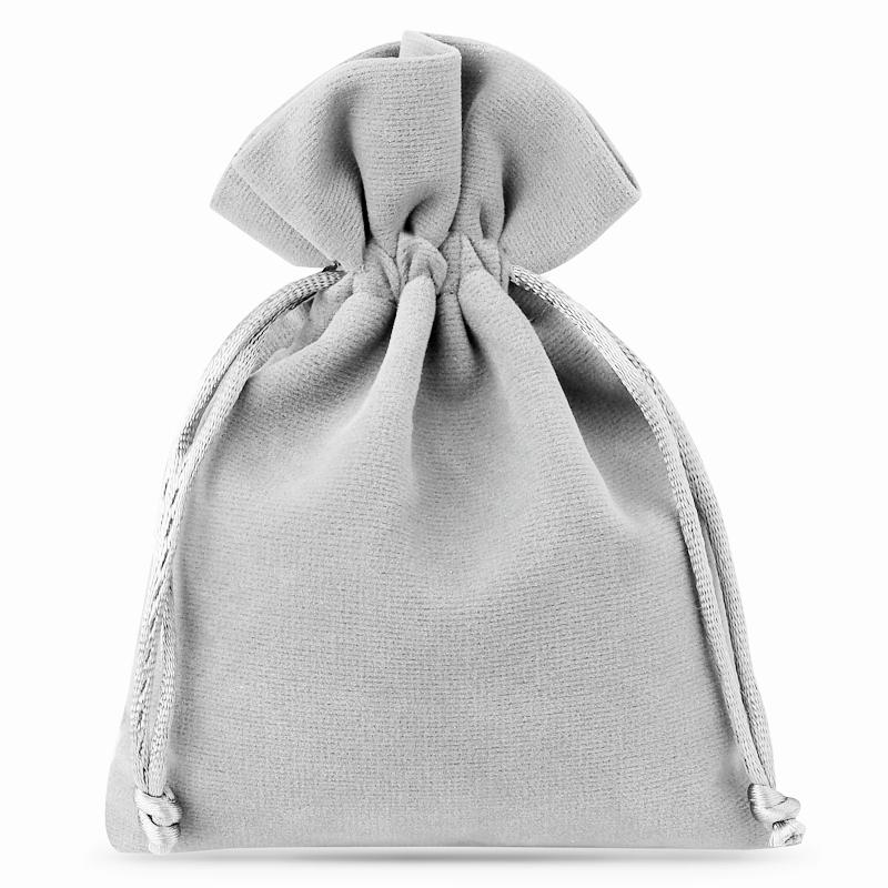 10 pcs Velvet pouches 8 x 10 cm - silver