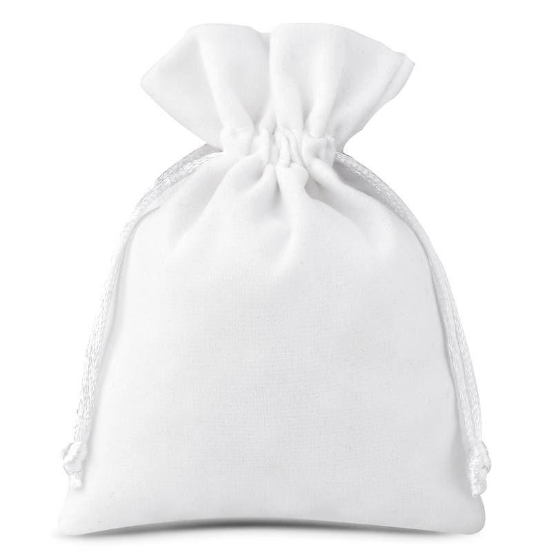 10 pcs Velvet pouches 6 x 8 cm - white