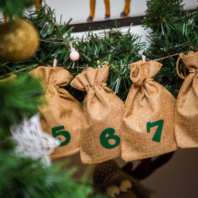 Advent calendar jute bags sized 13 x 18 cm - light brown colour + green numbers