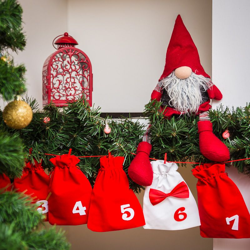 Advent calendar velour bags, sized 15 x 20 cm - red and white + white and red numbers