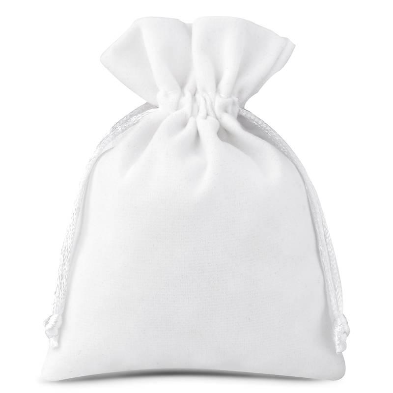 10 pcs Velvet pouches 8 x 10 cm - white