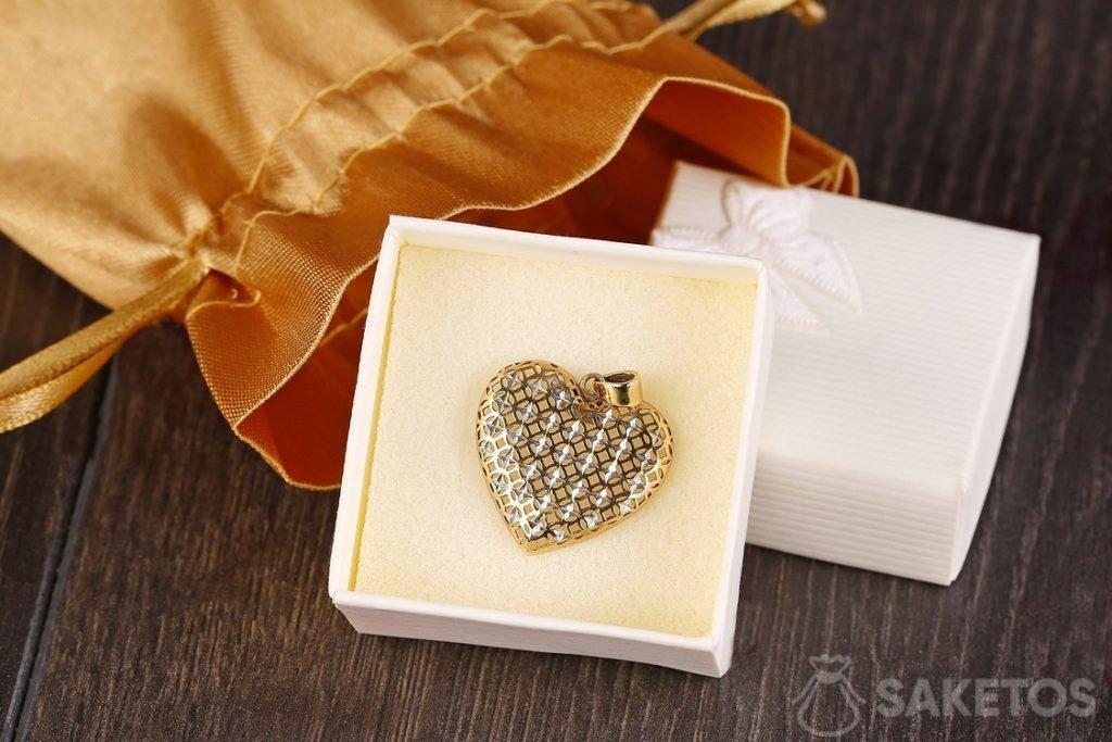 packaging for jewellery DIY