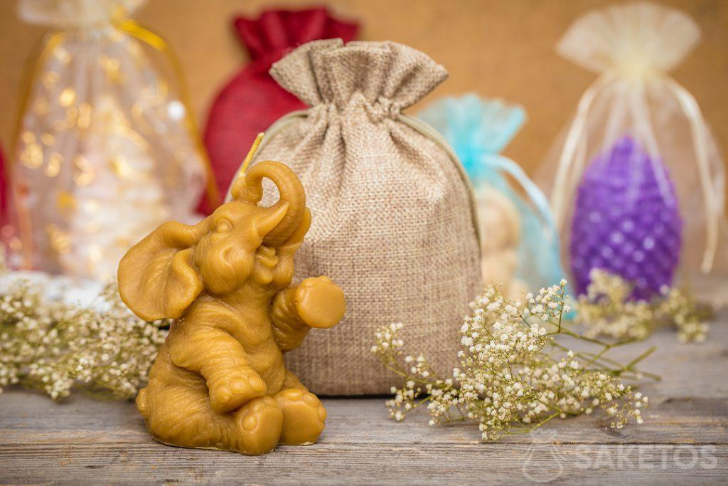 A jute bag is a decorative in itself