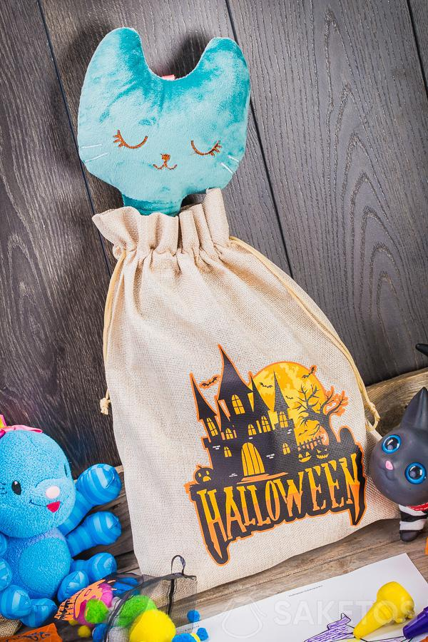 Decorative Halloween bags can be used as a unique decoration for a children's room