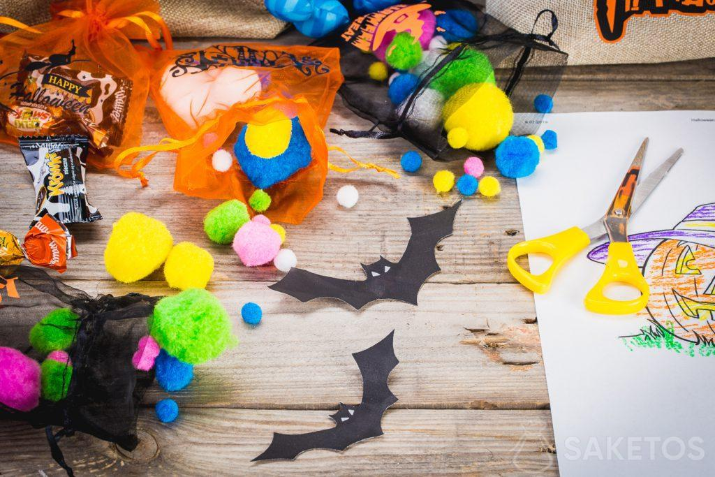 Decorative Halloween bags will not only hold sweets, but also other decorations.