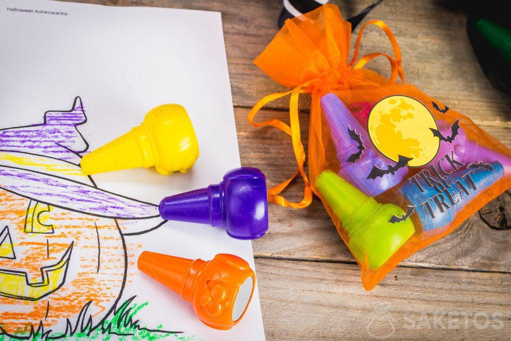 Decorative Halloween bags can be a seasonal decoration on their own