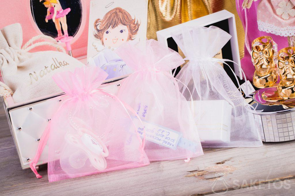 The organza bag is perfect for storing children's small items