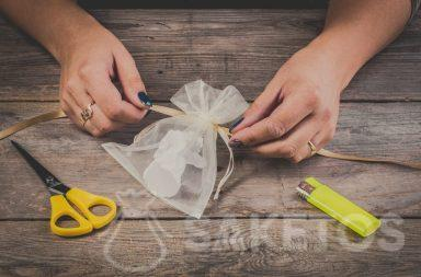 How to make a bow using a ribbon on an organza bag - step 2