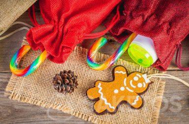 Small gifts for children, such as sweets and small toys, eg bubbles, can be placed in plastic bags.