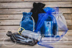 Cosmetics, sports gadgets - men's gifts in stylish fabric bags