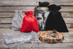 Men's gifts in stylish bags