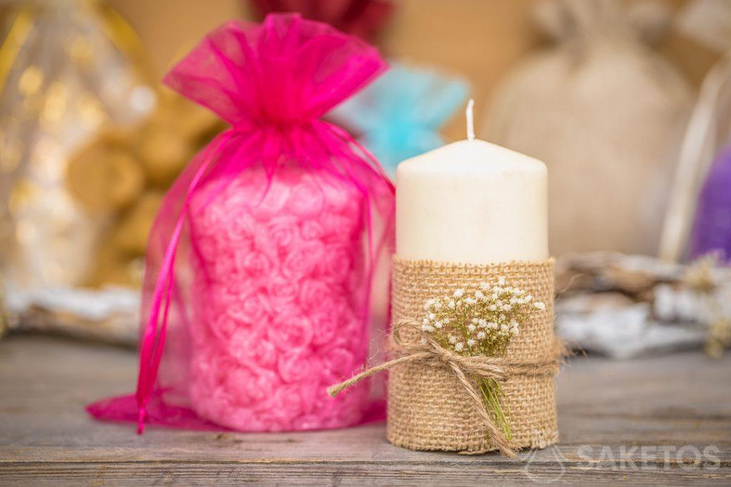 An organza bag makes an elegant packaging option for a candle