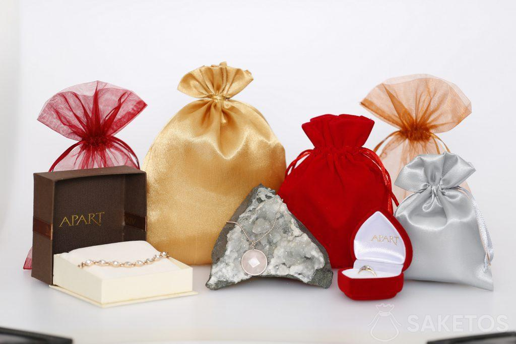 Material jewellery pouches for women