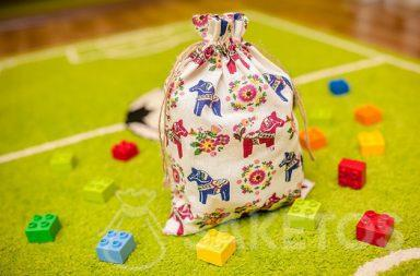 Decorative bags suited to a child's room, perfect for storing Lego Duplo blocks