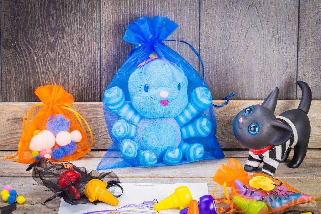 Halloween bags – an organza decoration for a child's room