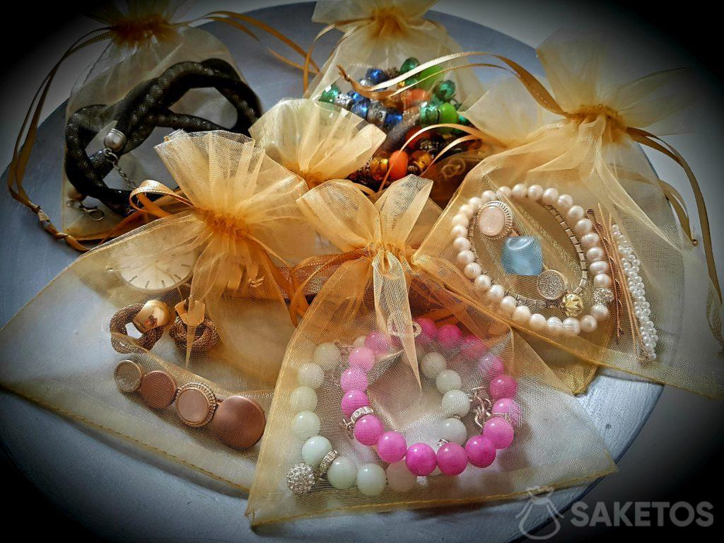 Organza bags will protect your jewellery while traveling!!
