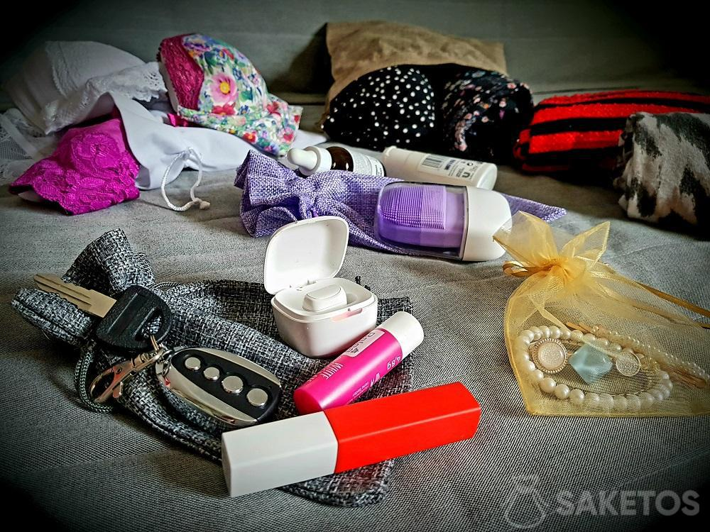 3. Organizer travel bags in your suitcase.